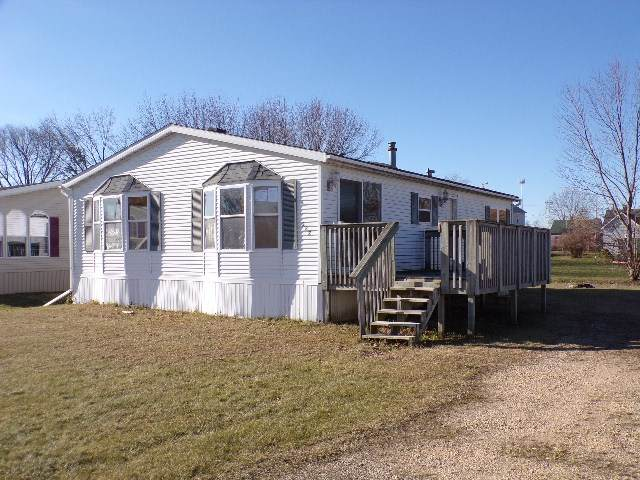 332 Green Acres Ave, Tomah, WI 54660 (#1899259) :: HomeTeam4u