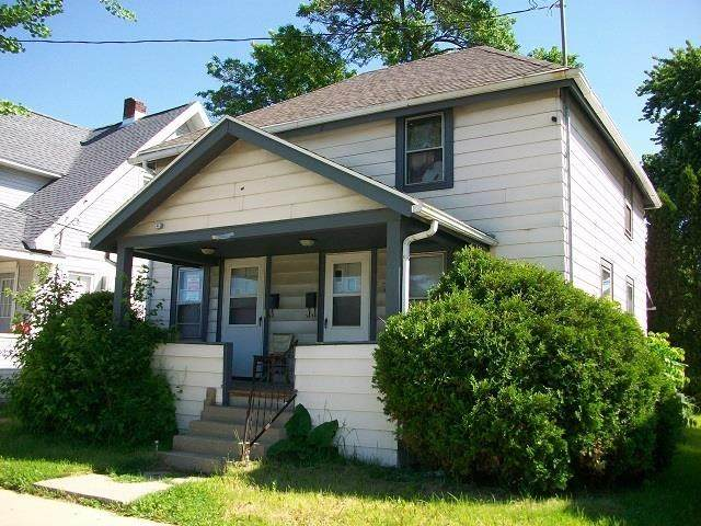 209 N 1st St, Madison, WI 53704 (#1900635) :: HomeTeam4u