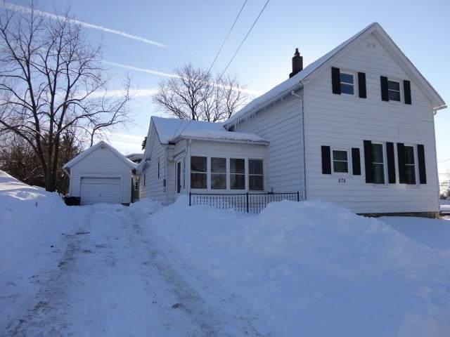 575 W Cedar St, Platteville, WI 53818 (#1902239) :: Nicole Charles & Associates, Inc.
