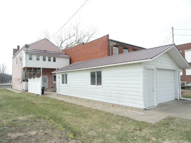 209 Front St - Photo 1