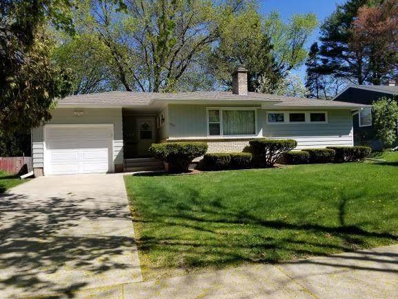 5014 Sherwood Rd, Madison, WI 53711 (#1908308) :: Nicole Charles & Associates, Inc.