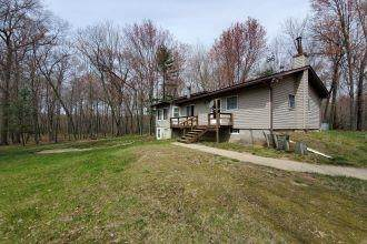 2875 2nd Dr, New Chester, WI 53952 (#1908373) :: Nicole Charles & Associates, Inc.