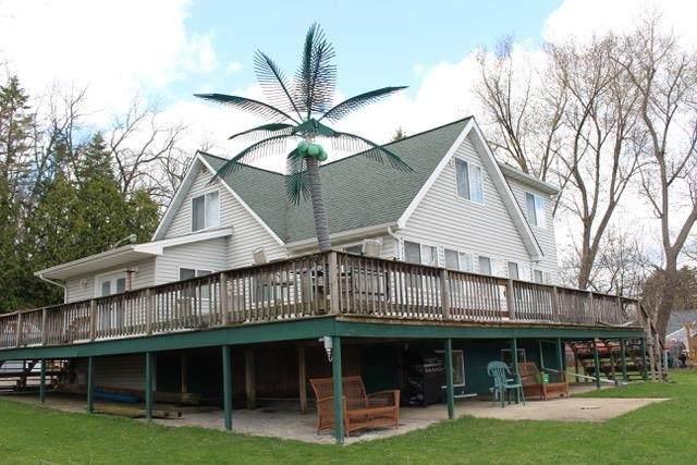 9700 NE Badger Heights, Fulton, WI 53534 (#1908448) :: Nicole Charles & Associates, Inc.