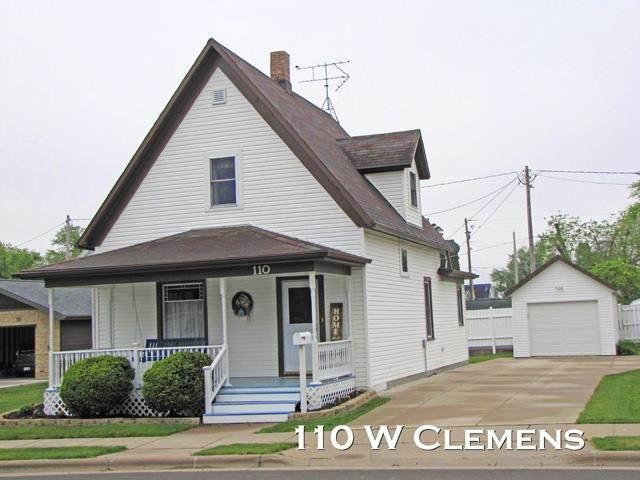 110 W Clemens, Cuba City, WI 53807 (#1909256) :: Nicole Charles & Associates, Inc.