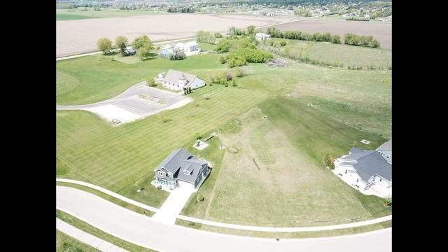 1410 Stonewood Crossing, Sun Prairie, WI 53590 (#1909273) :: Nicole Charles & Associates, Inc.