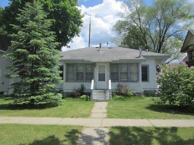 180 S Linden St, Adams, WI 53910 (#1910709) :: HomeTeam4u