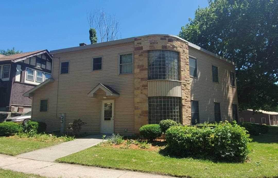 403 Wisconsin Ave - Photo 1