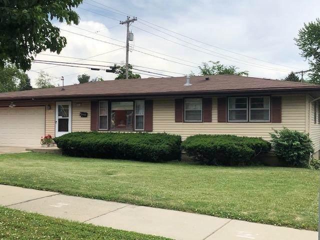 4013 School Rd, Madison, WI 53704 (#1911296) :: Nicole Charles & Associates, Inc.