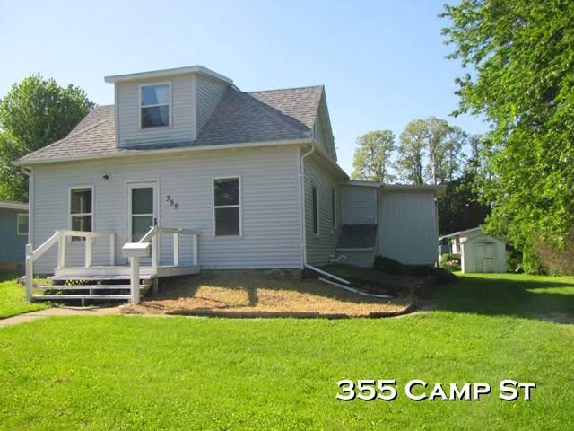 355 Camp St, Platteville, WI 53818 (#1911339) :: HomeTeam4u