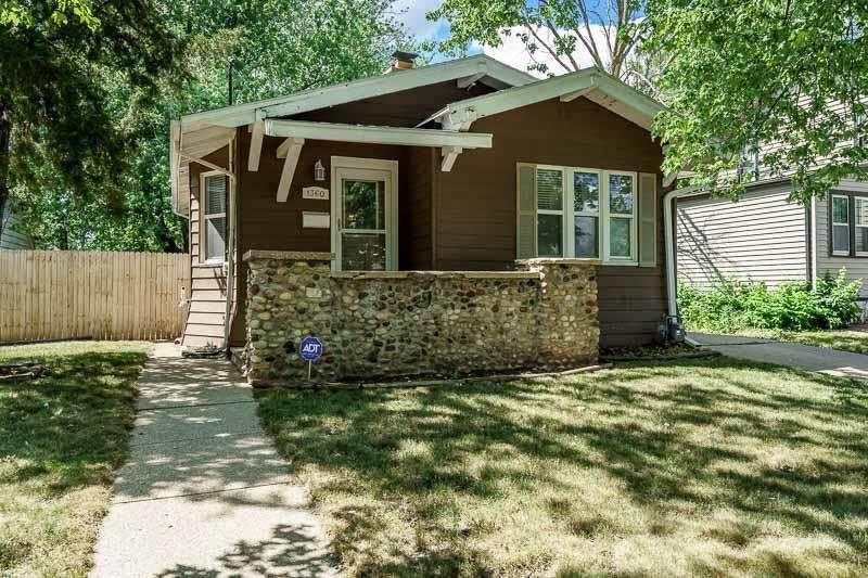 1360 Prairie Ave - Photo 1