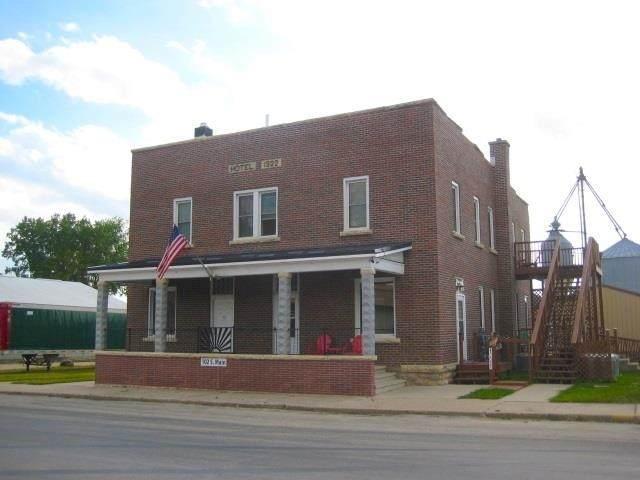 102 S Main St, Farmersburg, IA 52047 (#1912768) :: Nicole Charles & Associates, Inc.