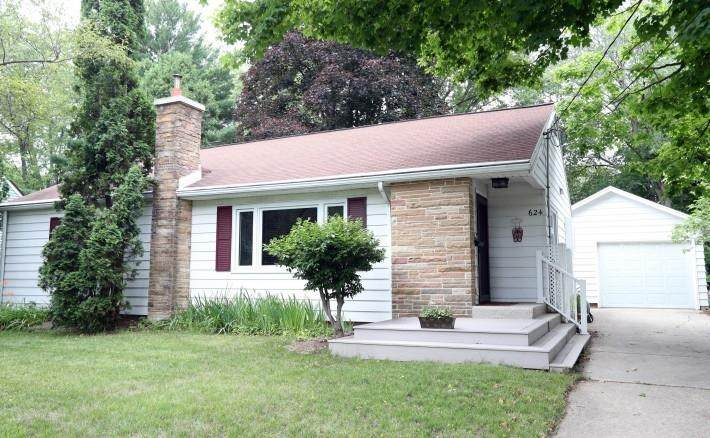 624 Orchard Dr - Photo 1