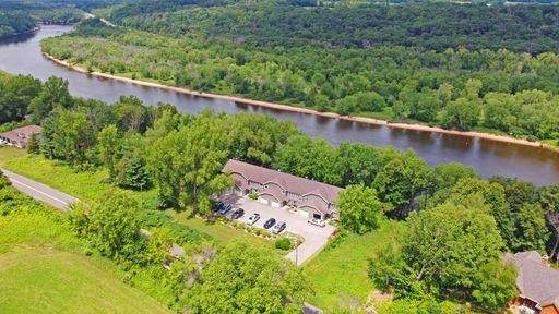 1066 Hillside Dr, Lake Delton, WI 53965 (#1914733) :: HomeTeam4u