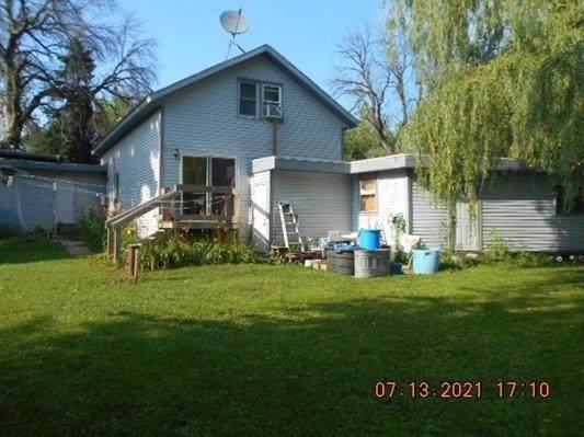 2439 Rinden Rd, Pleasant Springs, WI 53527 (#1914811) :: Nicole Charles & Associates, Inc.
