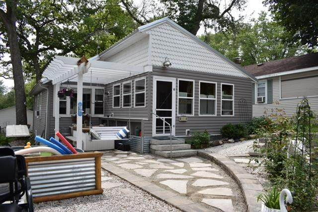 101 Forest Ave, Albion, WI 53534 (#1914860) :: HomeTeam4u