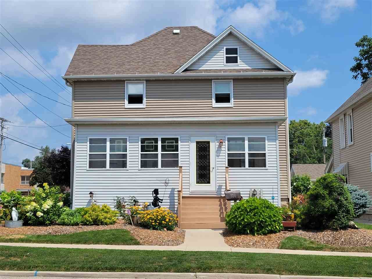 324 Maple Ave - Photo 1