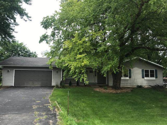 4150 Lookout Tr, Dunn, WI 53558 (#1915109) :: RE/MAX Shine