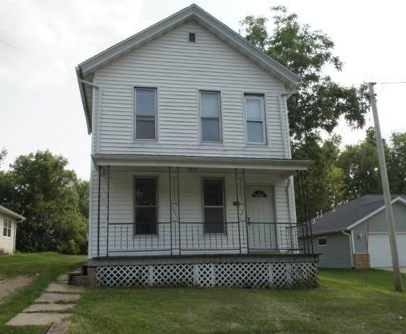 535 W Adams St, Platteville, WI 53818 (#1915316) :: Nicole Charles & Associates, Inc.