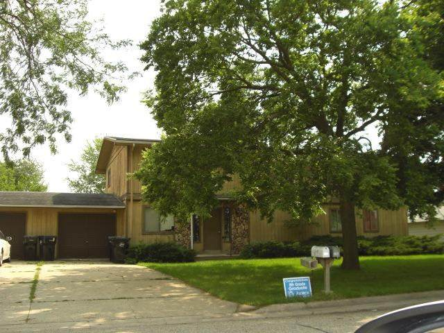 2066 Colony, Beloit, WI 53511 (#1915465) :: Nicole Charles & Associates, Inc.