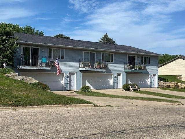 115-117-119 Parkway Dr, Mount Horeb, WI 53572 (#1915700) :: RE/MAX Shine