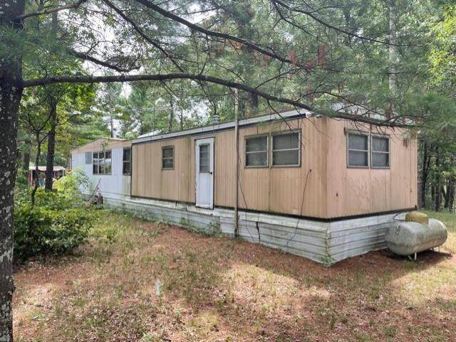 989 W Trout Valley Rd, Big Flats, WI 54943 (#1916304) :: RE/MAX Shine
