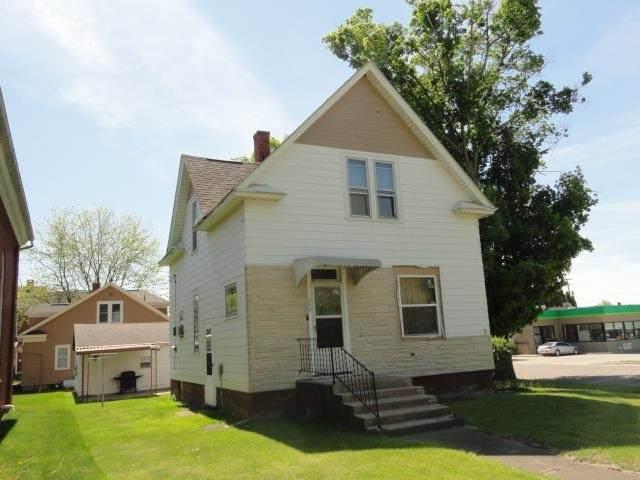 400 Denniston St, Cassville, WI 53806 (#1916632) :: RE/MAX Shine