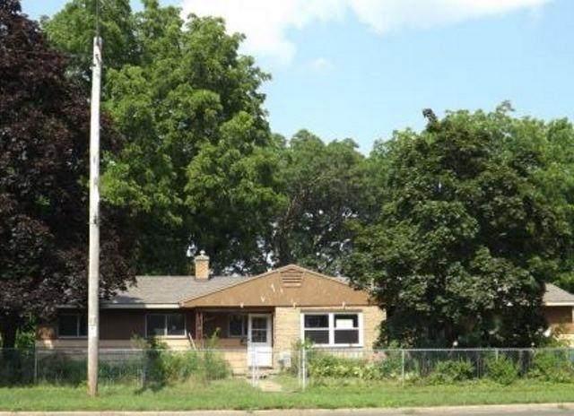 1101 W Wisconsin St, Portage, WI 53901 (#1918424) :: Nicole Charles & Associates, Inc.