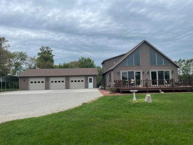 N3146 County Road G, Lowell, WI 53579 (#1919020) :: RE/MAX Shine
