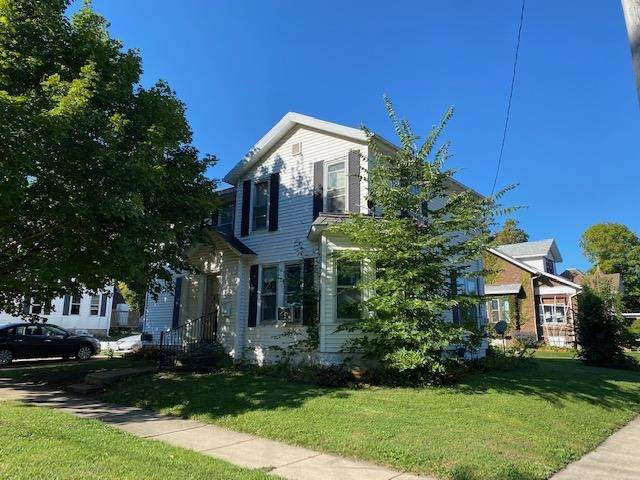 1403 22nd Ave, Monroe, WI 53566 (#1919452) :: RE/MAX Shine