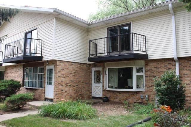 1230 N Gammon Rd, Middleton, WI 53562 (#1919542) :: Nicole Charles & Associates, Inc.