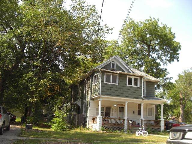 1006 Central Ave, Beloit, WI 53511 (#1920015) :: RE/MAX Shine