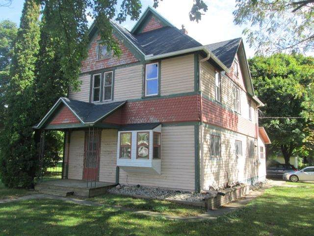 228 N 1st St, Coloma, WI 54930 (#1920275) :: RE/MAX Shine