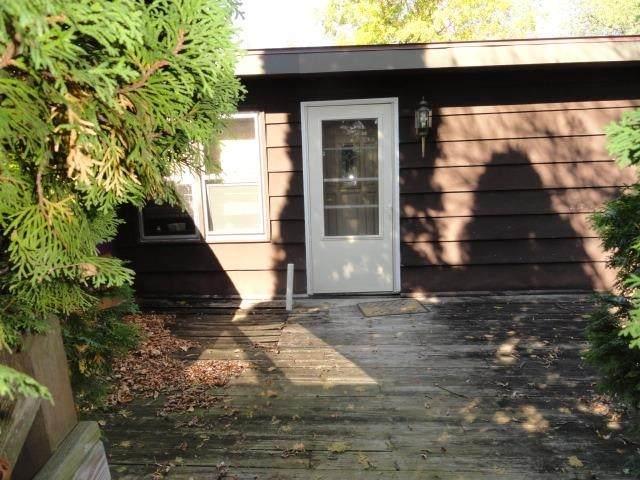 1140 County Road A, Easton, WI 53936 (#1920883) :: Nicole Charles & Associates, Inc.