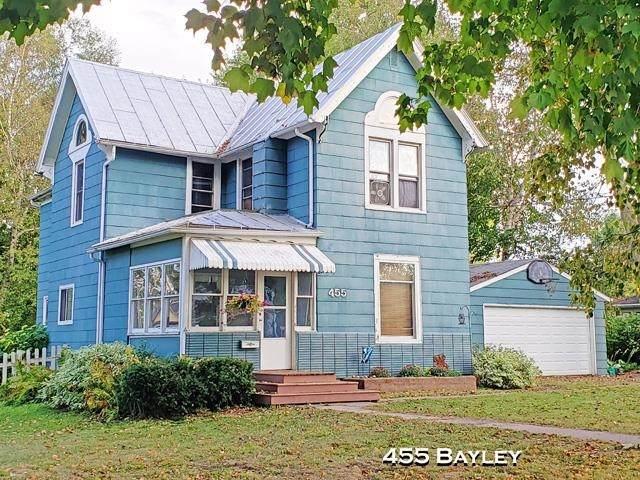 455 Bayley Ave, Platteville, WI 53818 (#1921039) :: RE/MAX Shine