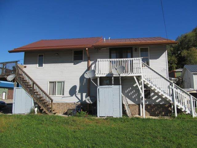 121 Main St, Lynxville, WI 54626 (#1921250) :: RE/MAX Shine
