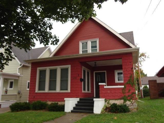 120 Bayley Ave, Platteville, WI 53818 (#1921677) :: RE/MAX Shine