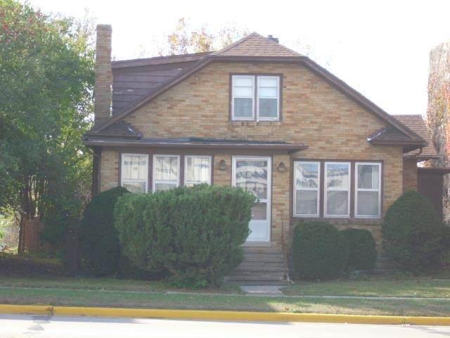 303 & 307 Superior Ave, Tomah, WI 54660 (#1922427) :: HomeTeam4u