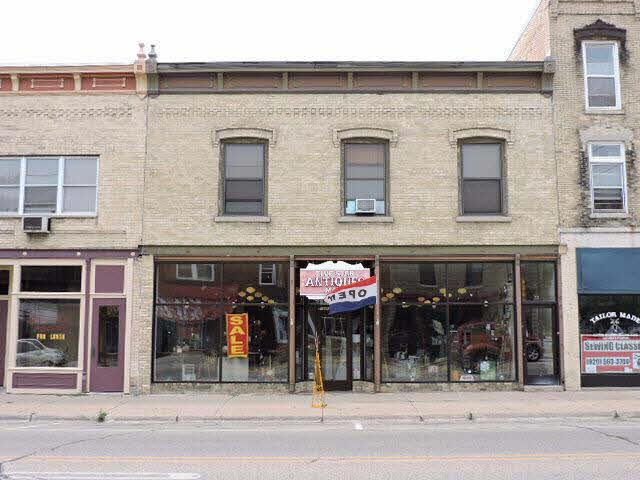 125 N Main St, Fort Atkinson, WI 53538 (#354609) :: Nicole Charles & Associates, Inc.