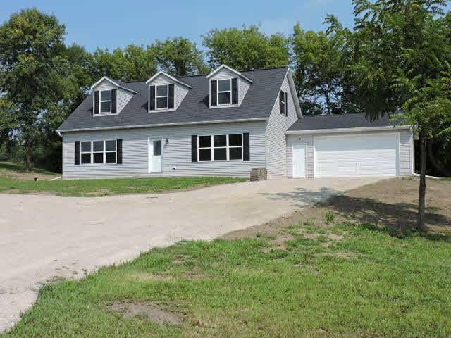 W2890 County Road Y, Jefferson, WI 53137 (#355996) :: HomeTeam4u