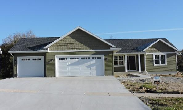 233 E Highland Ave, Fort Atkinson, WI 53538 (#356923) :: Nicole Charles & Associates, Inc.
