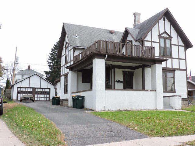 331 Foster St, Fort Atkinson, WI 53538 (#356973) :: Nicole Charles & Associates, Inc.