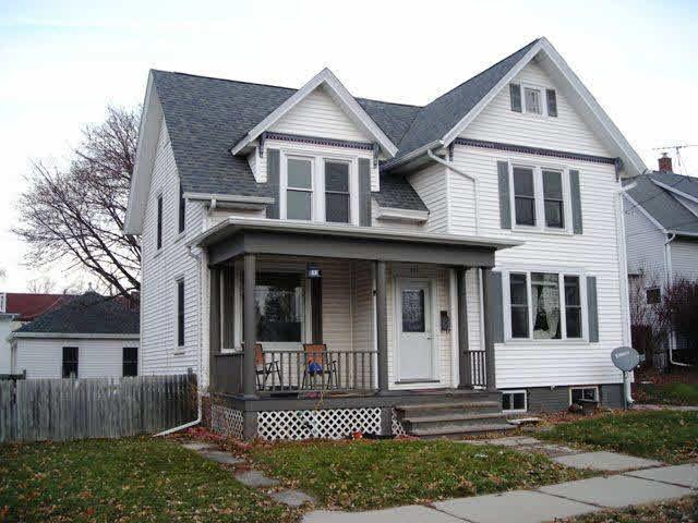 408 Western Ave, Watertown, WI 53094 (#357258) :: HomeTeam4u