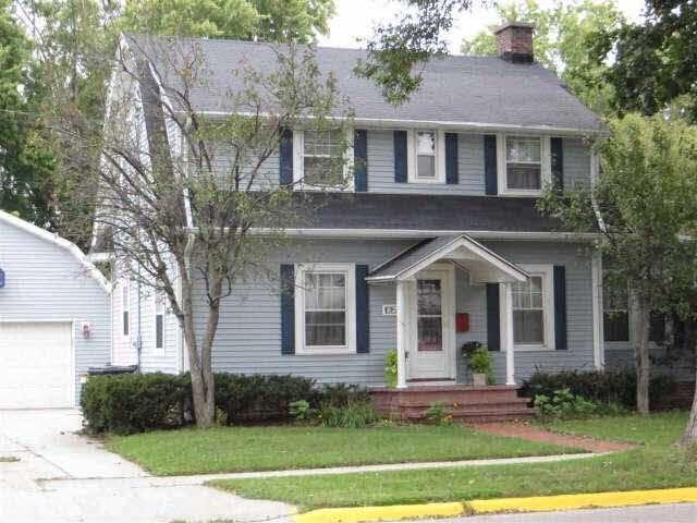 1015 E Memorial Dr, Janesville, WI 53545 (#358728) :: Nicole Charles & Associates, Inc.