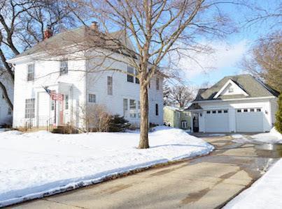 423 E Milwaukee Ave, Fort Atkinson, WI 53538 (#358767) :: Nicole Charles & Associates, Inc.