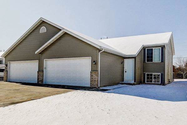511 Reena Ave, Fort Atkinson, WI 53538 (#365252) :: Nicole Charles & Associates, Inc.