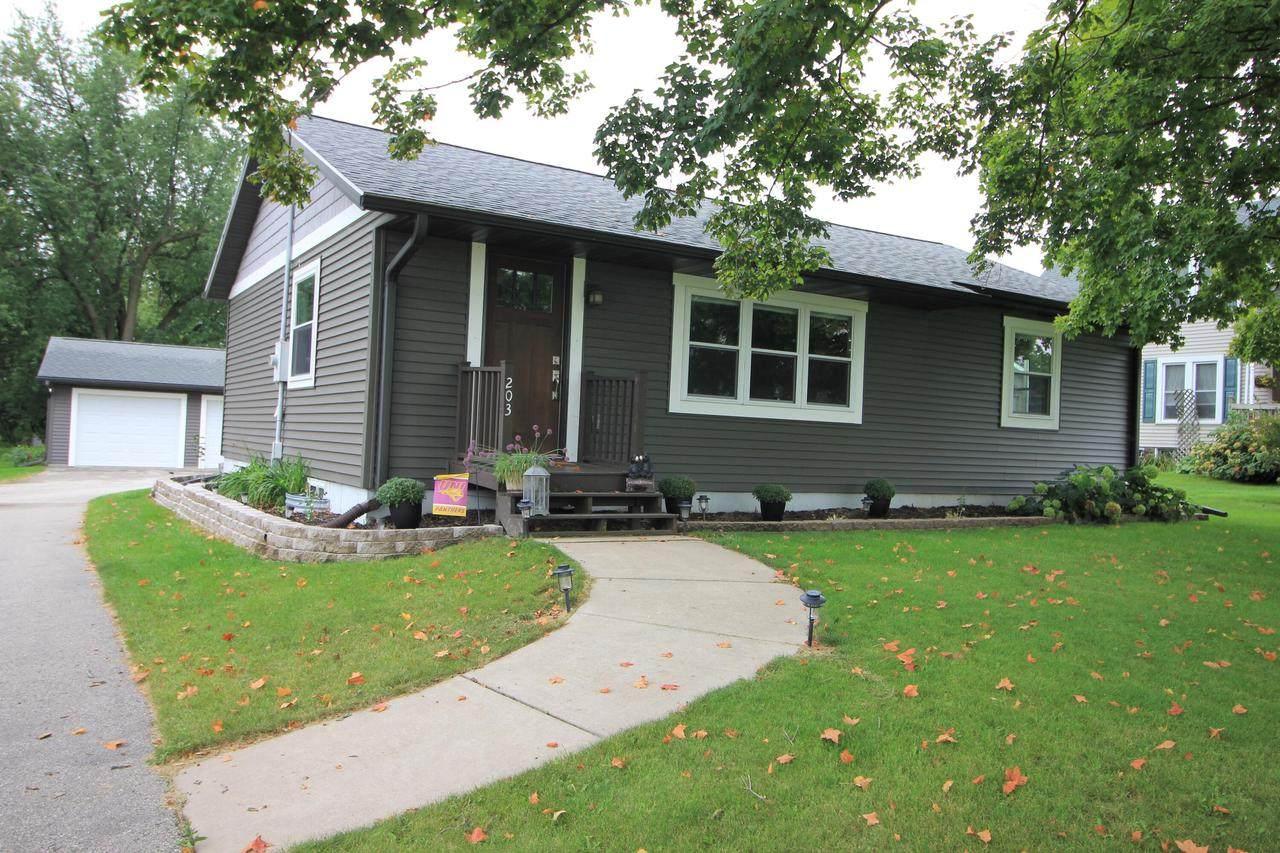 203 Coon Prairie Ave - Photo 1