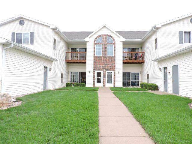 1604 Commonwealth Dr, Fort Atkinson, WI 53538 (#377973) :: RE/MAX Shine