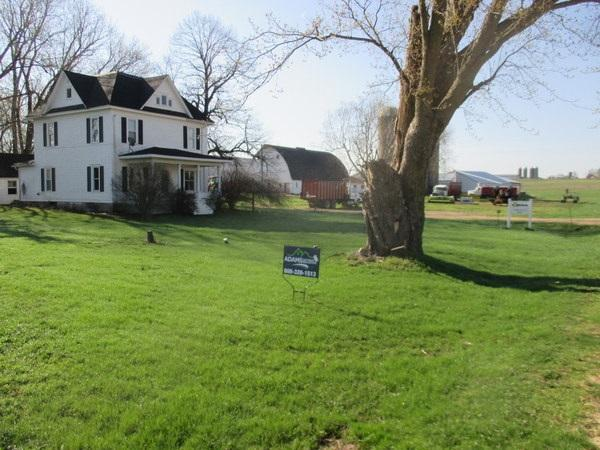 S7004 Tainter Hollow Rd, Franklin, WI 54665 (#1822432) :: Nicole Charles & Associates, Inc.