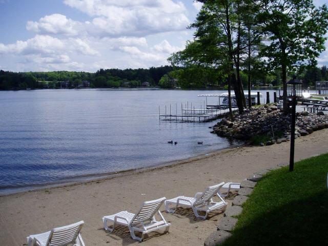 530 E Hiawatha Dr, Lake Delton, WI 53965 (#1838970) :: Nicole Charles & Associates, Inc.