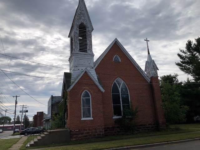 142 Maine St - Photo 1